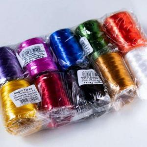 Rolo de fitilho colorido